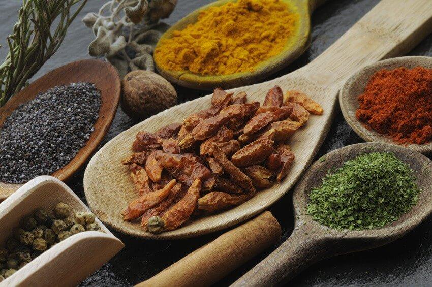 10 astuces savoureuses pour cuisiner sans sel