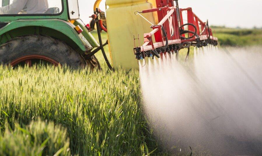 Danger, pesticides ! Les fruits et légumes les plus contaminés
