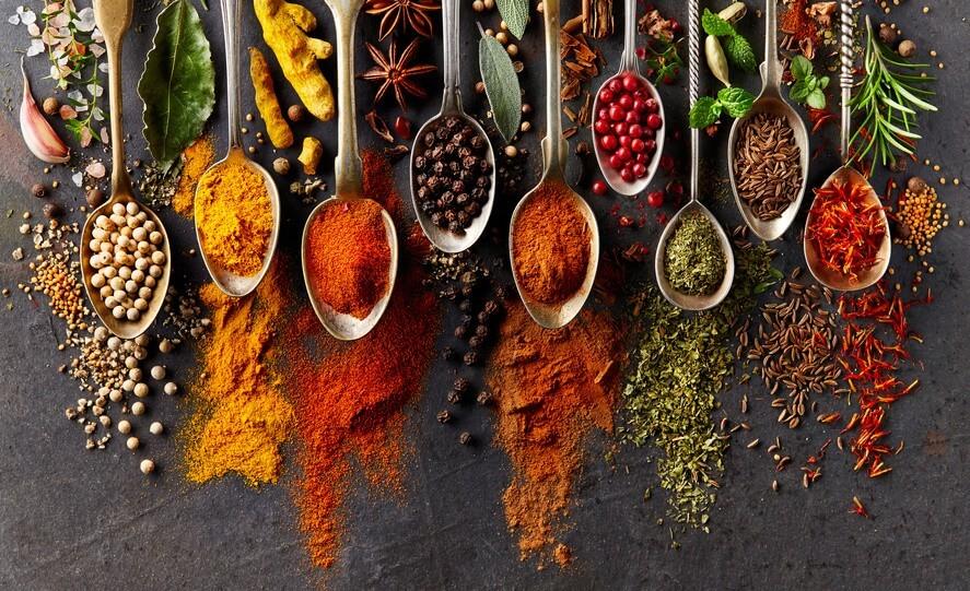 Conseil de Bastien : savez-vous bien cuisiner les épices?