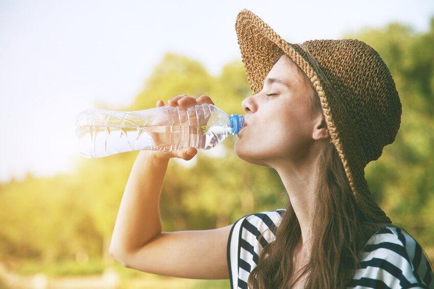 Savez-vous combien d'eau vous devriez boire par jour?