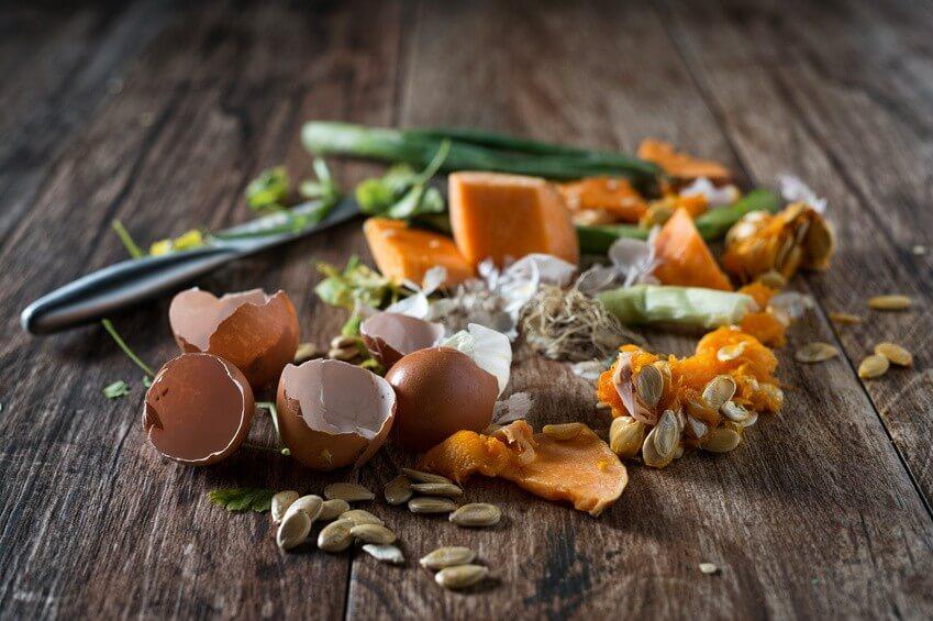 Conseil de Bastien : fabriquer un bon compost bio maison