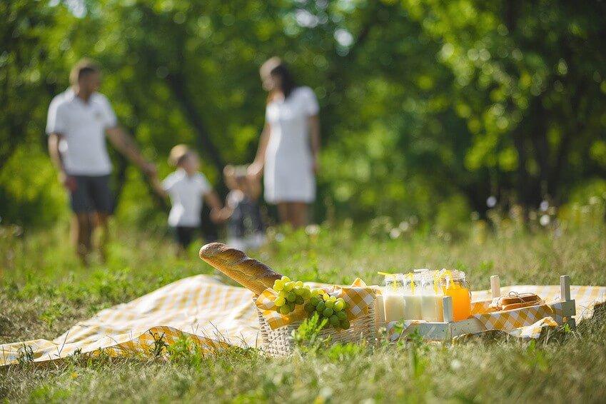 Conseil de Bastien : savoir manger sain en famille à l'extérieur