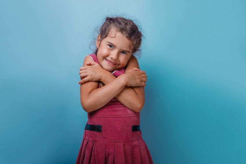 Conseil de Bastien : Apprenez le Butterfly Hug à vos enfants!