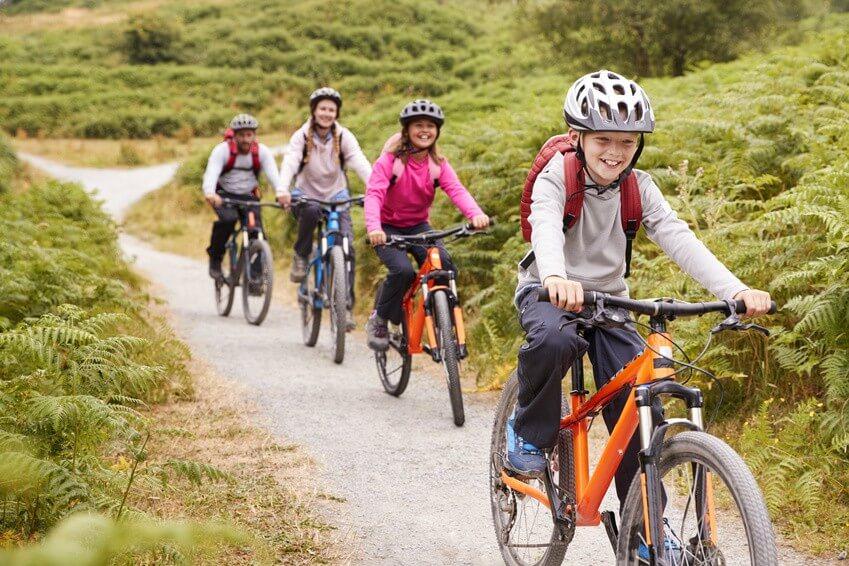 Sport en famille : 5 expériences à vivre cet été