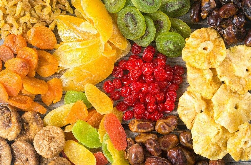 Comment préparer un goûter sain avec les fruits déshydratés