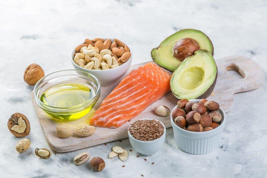 5 aliments gras à ne pas supprimer de votre assiette!