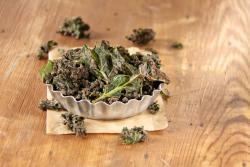 Recette de chips de chou kale et gomasio au déshydrateur Yden CI IR D5