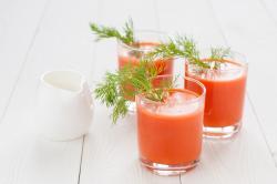 Recette de jus carotte persil fenouil à l'extracteur de jus Omega 8226