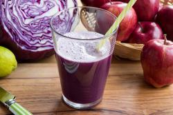 Recette de jus chou rouge, betterave et pomme à l'extracteur de jus Tribest Solostar 4