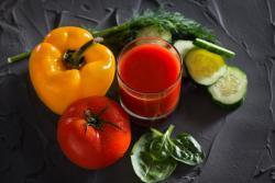Recette de jus poivron tomate concombre à l'extracteur de jus Hurom HH