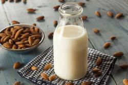 Recette du lait d'amande à l'extracteur de jus Sana by Omega 808