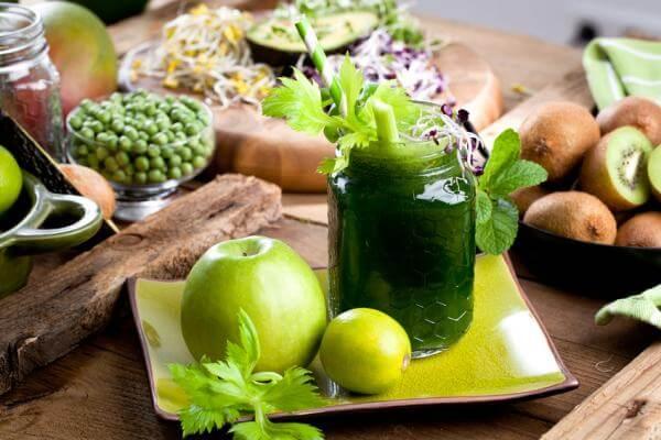 Recette de jus vert pomme, kiwi et cresson à l'extracteur de jus Sana by Omega 808
