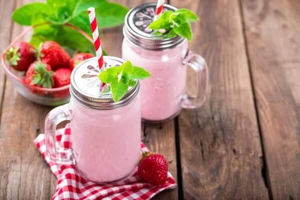 Recette de lassi fraise menthe au blender Tribest PB 350