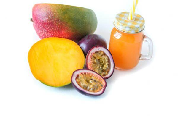 Recette de smoothie mangue, fruit de la passion et fleur d'oranger au blender Vitamix Ascent 3500i